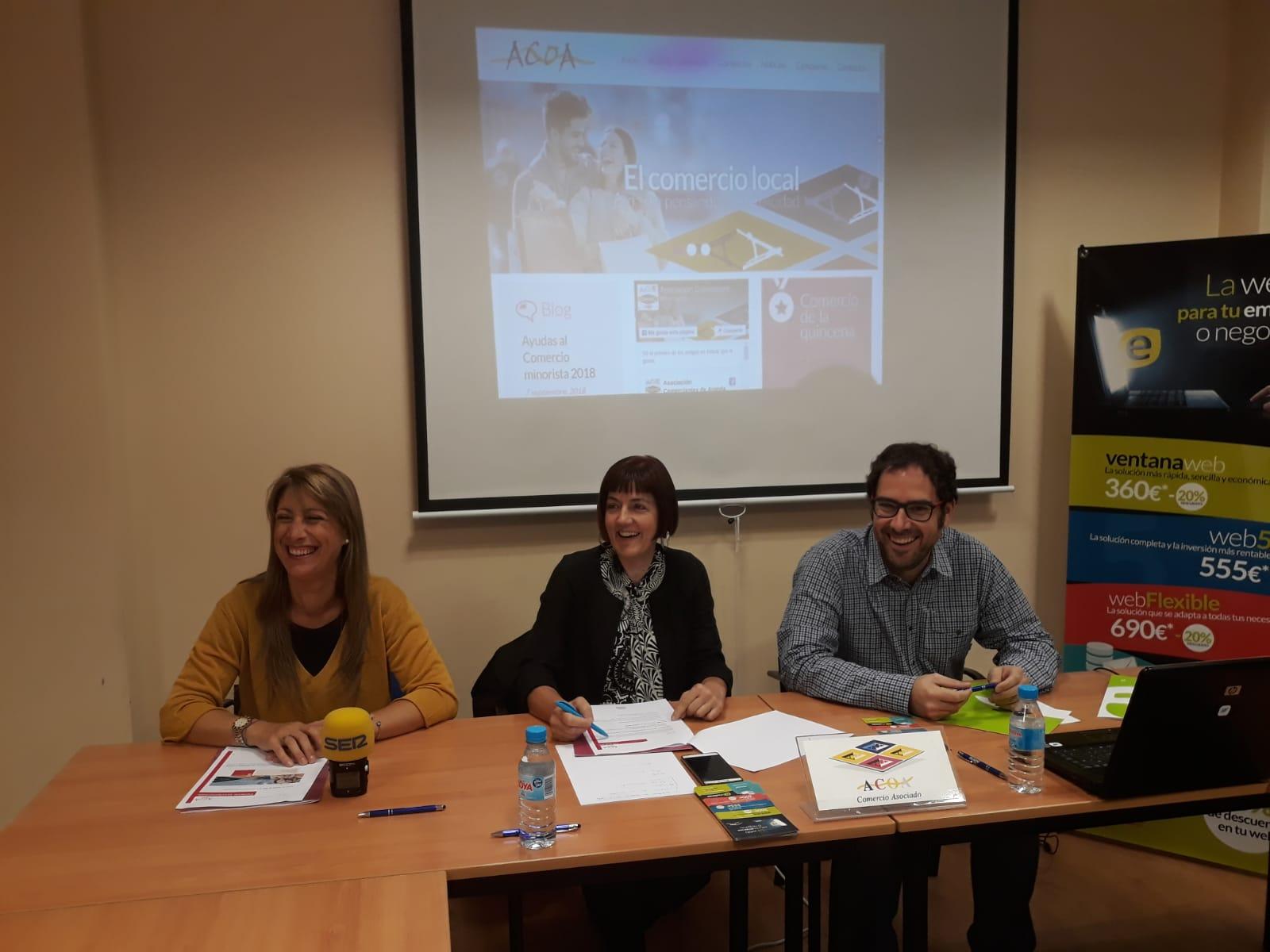 De Izquierda a derecha. Susana de las Heras, presidenta de ACOA, Pilar Monzón, vicepresidenta de ACOA y José Félix Criado, representante de ECOPLANES , Imart,